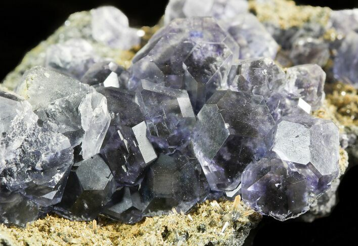 "2.8"" Blue Fluorite Crystals with Quartz - China"