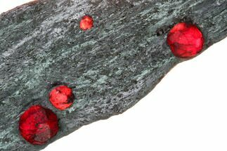 "3.7"" Plate of Five Red Embers Garnets in Graphite - Massachusetts For Sale, #165512"