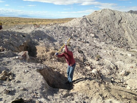 Collecting geodes from the Dugway geode beds on my last trip through Utah.