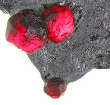 "1.8"" Plate of Three Red Embers Garnets in Graphite - Massachusetts For Sale, #148142"
